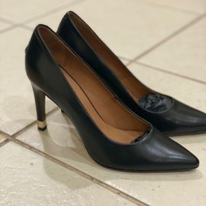 Tommy Hilfiger black heels without box